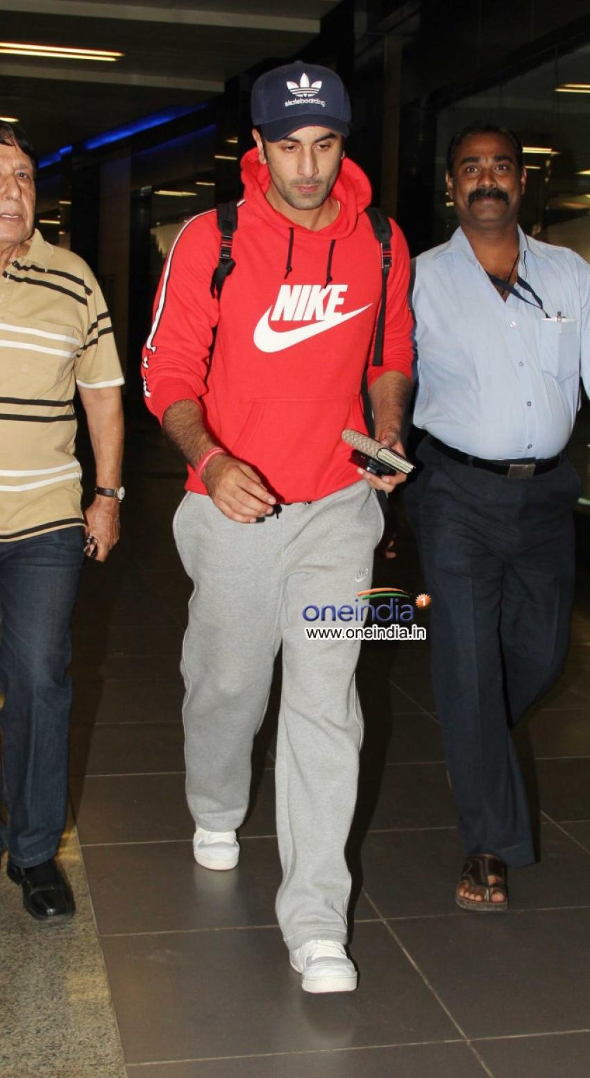 Ranbir Kapoor returns Mumbai after Besharam film promotion Photos