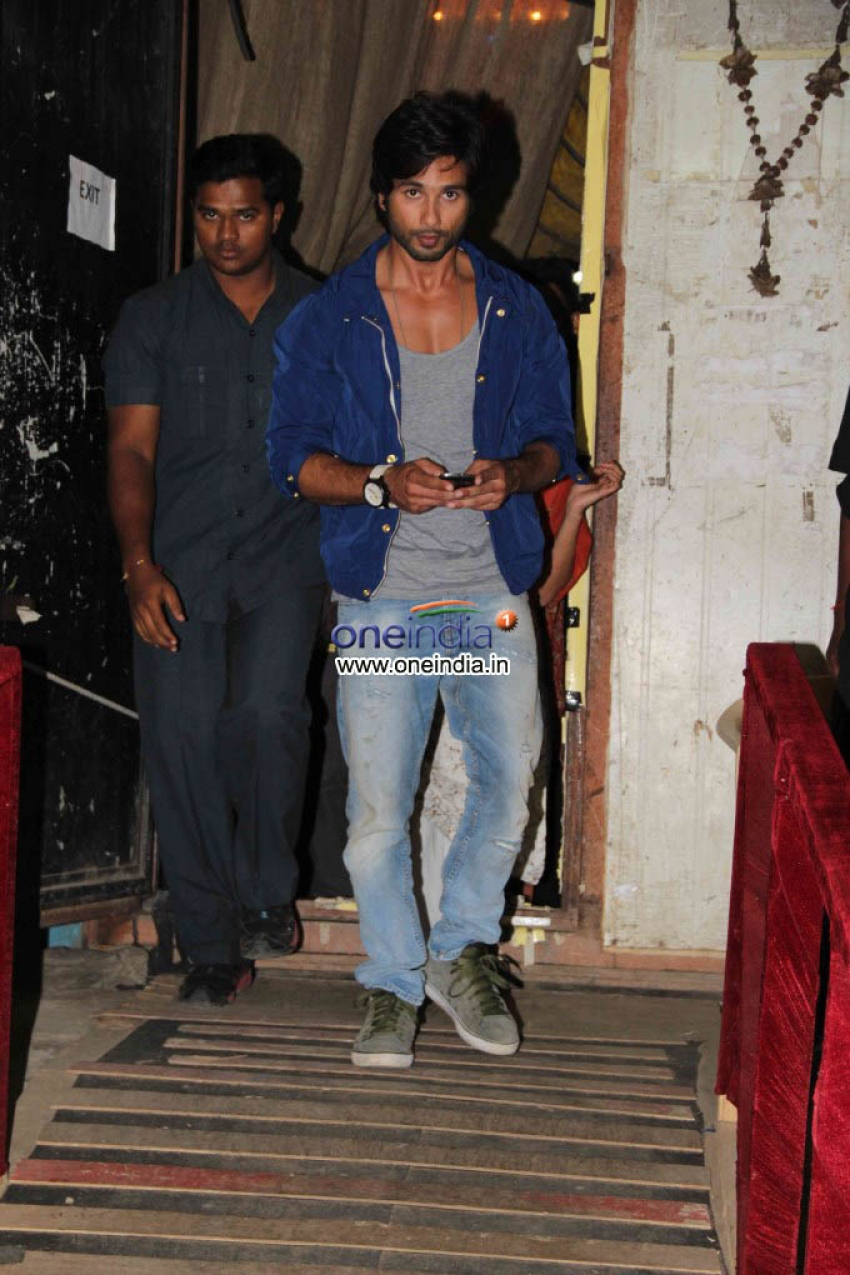 Phata Poster Nikla Hero Promotion on the Sets of Comedy Nights with kapil Photos
