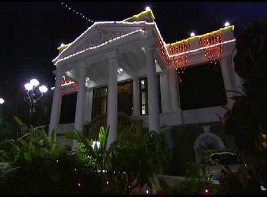 Shahrukh Khan's 2000 Cr Mannat Bungalow Photos