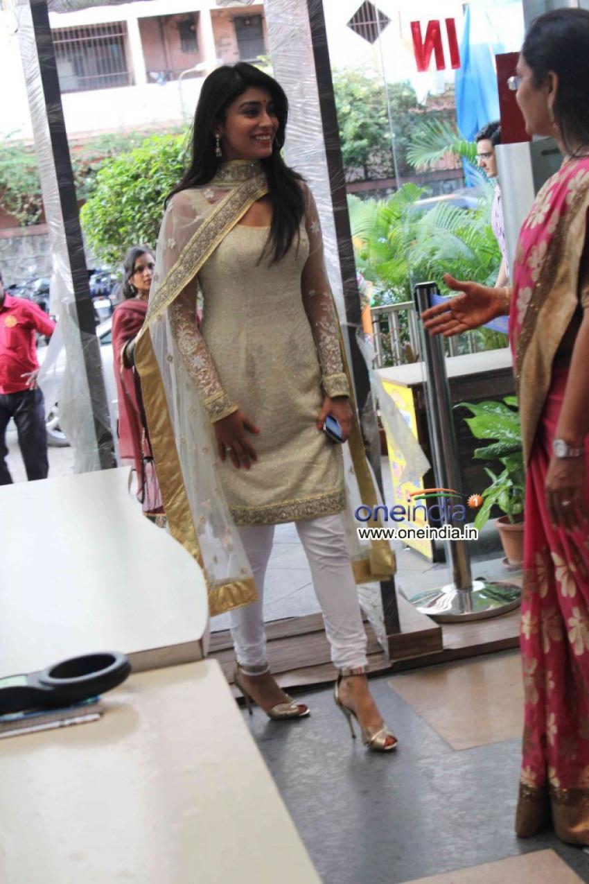 Shriya Sharan supported Inner Wheel Club Photos