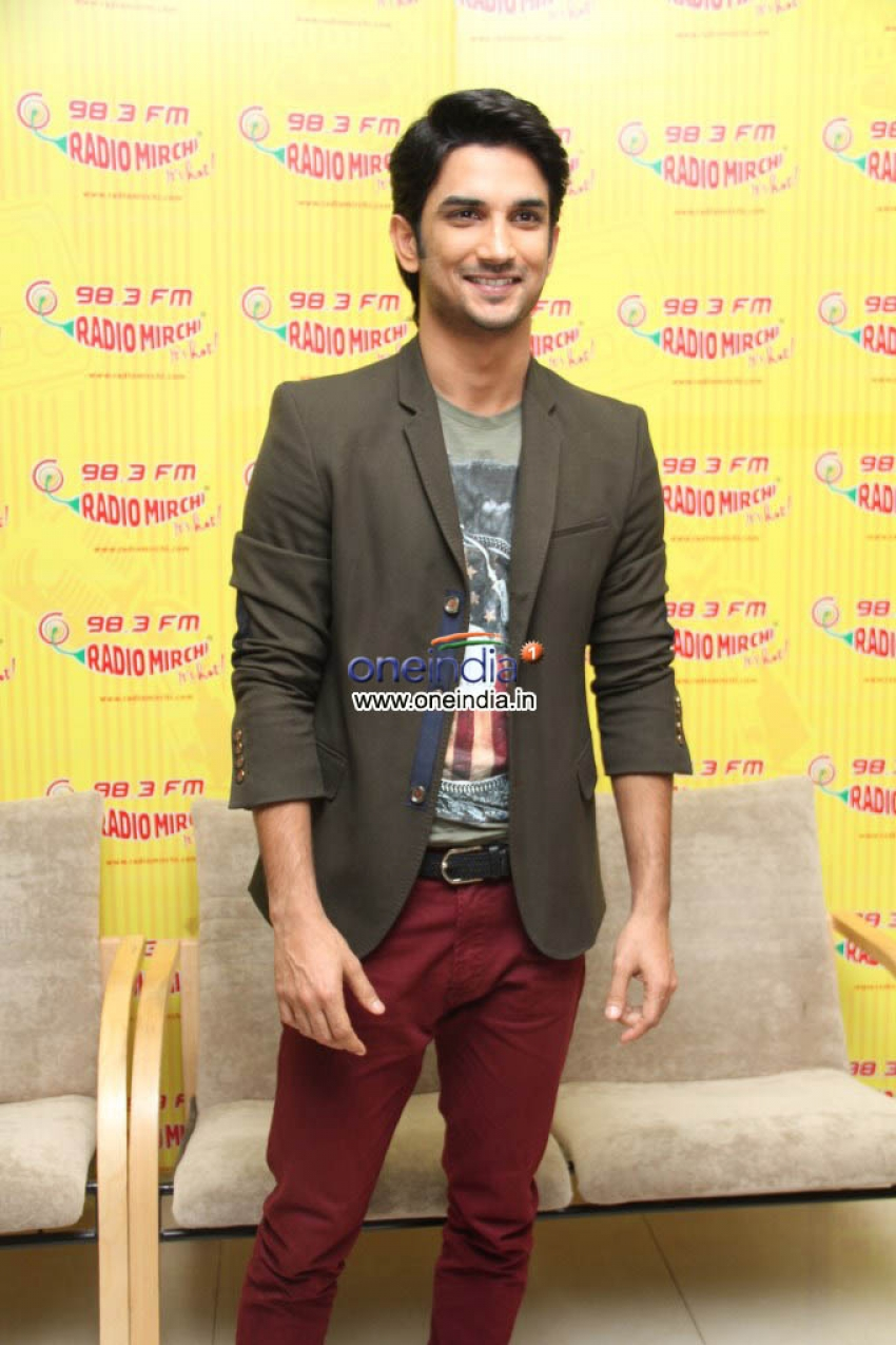 Radio Mirchi studio for promotion of their upcoming movie Suddh Desi Romance Photos