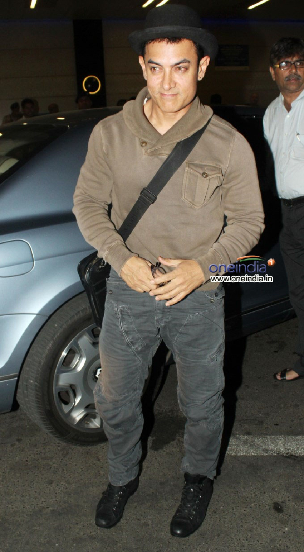 Aamir Khan leaves for US Photos