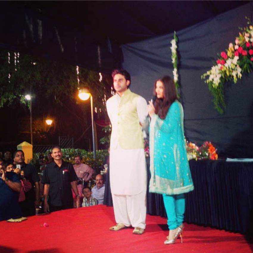 Bollywood Celebrities at Navratri Celebration 2013 Photos