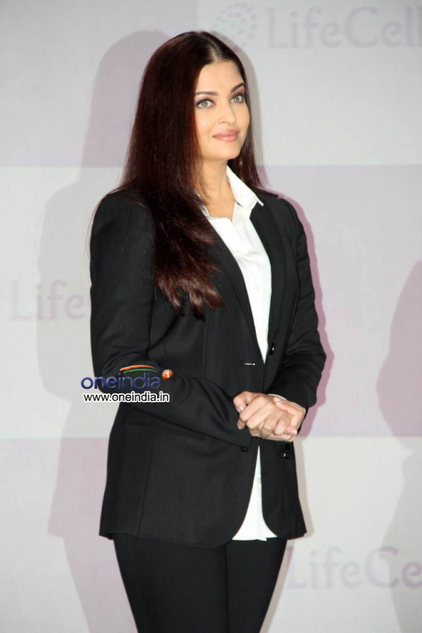 Aishwarya Rai Unveiled Stem Cell Banking by Life Cell Photos