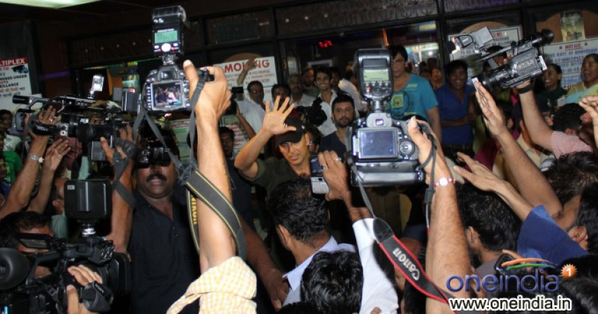 Akshay Kumar visited Gaiety Galaxy Photos