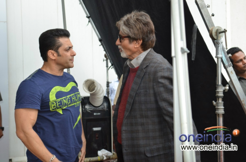 Amitabh Bachchan meets Salman Khan at mehboob studio Photos