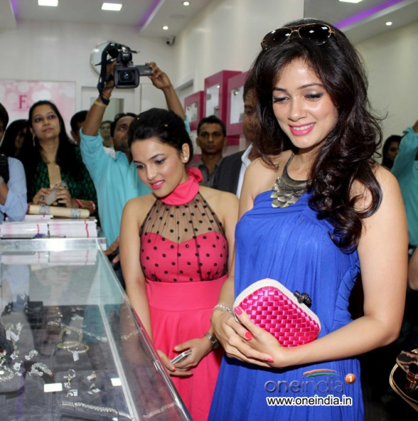 Fiona Jewels store launch Photos