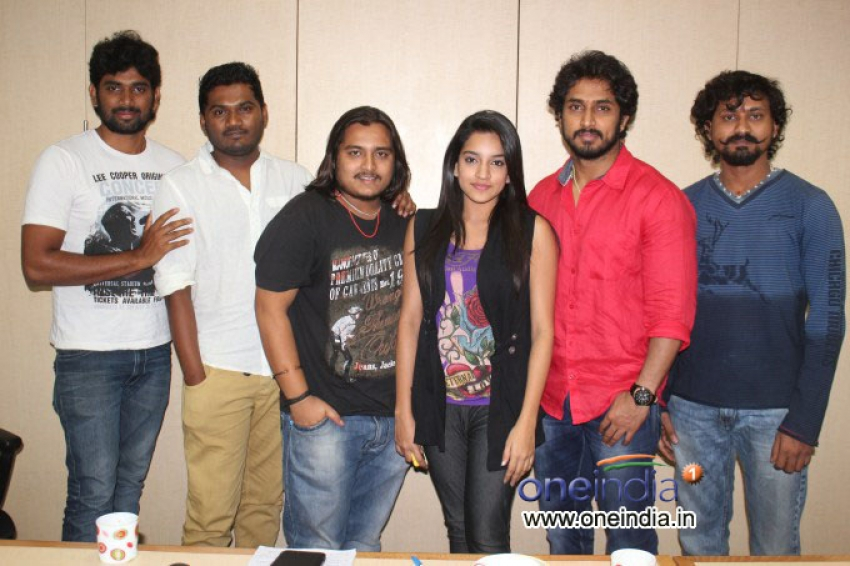 Kannada movie Huchudugaru team in Oneindia Photos