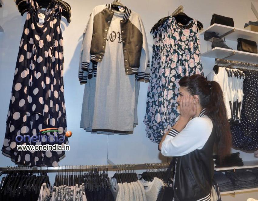Jacqueline Fernandez launches Forever 21 Photos