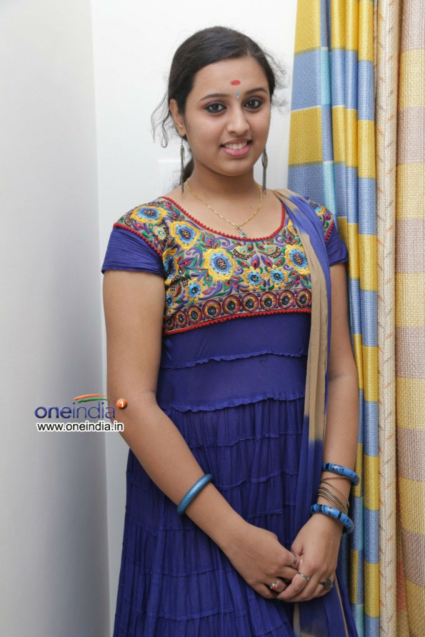 Jannal Oram to Audio Launch at Bus Stops Photos