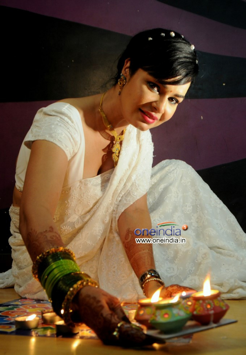 Kavitta Verma Diwali photo shoot Photos