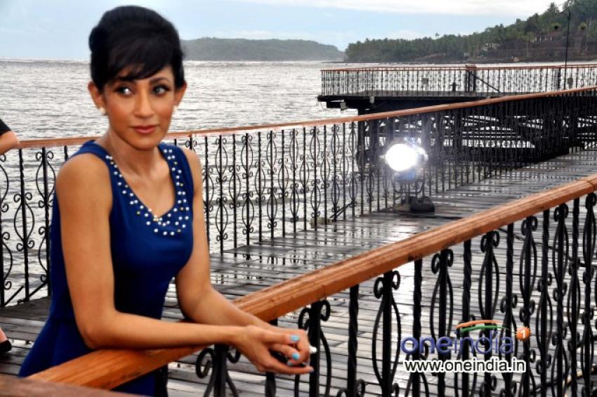 Miss Srilanka Chandi Perera Shot Big Ad With Ajay Devgan Photos