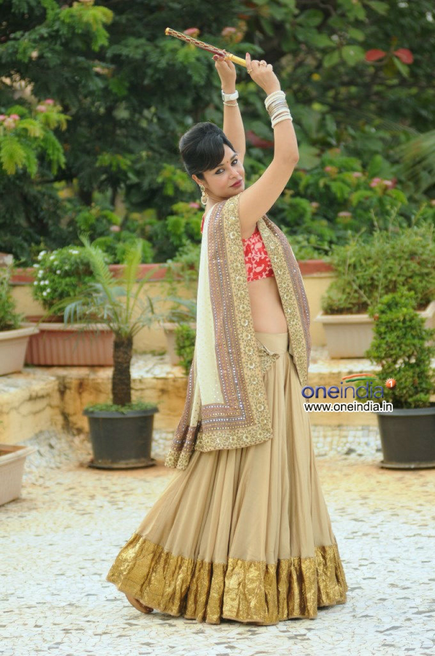 Kavitta Verma's photoshoot for Navratri Photos
