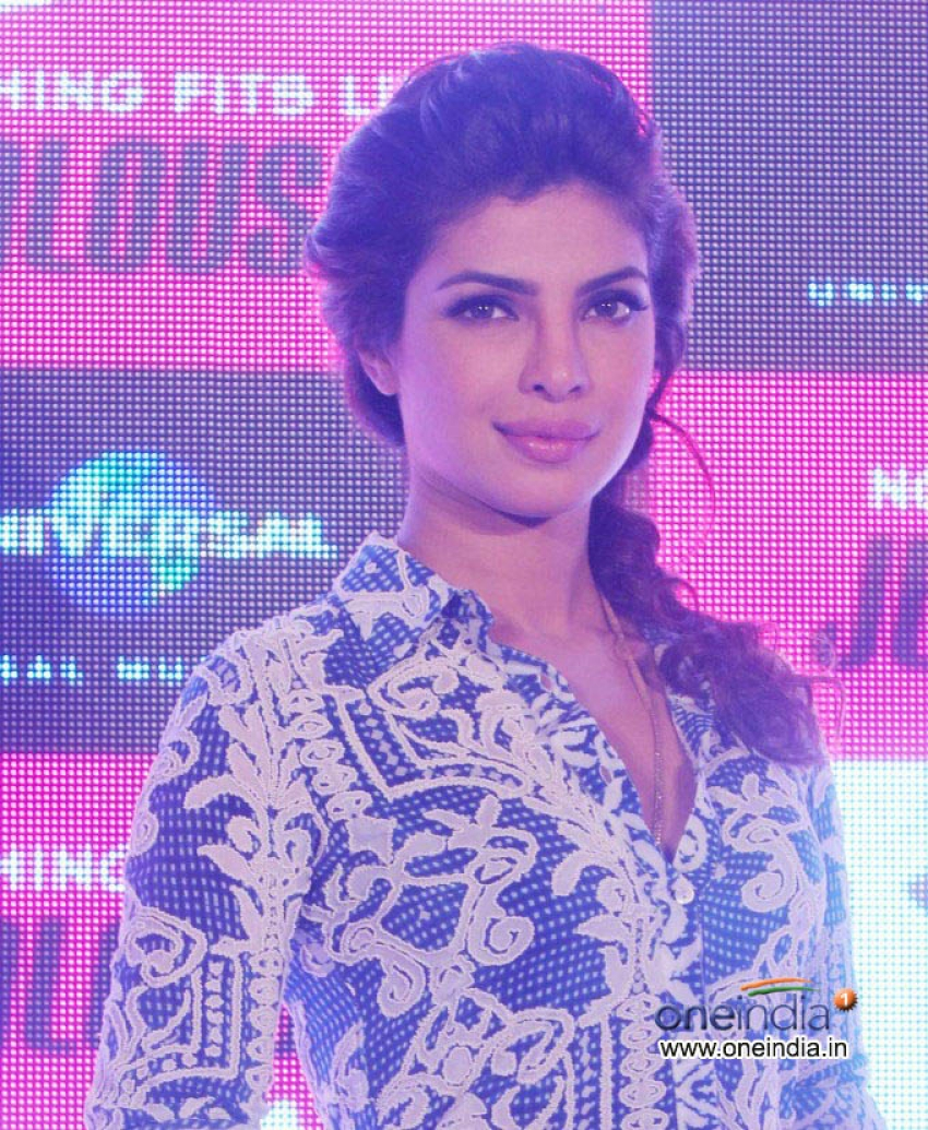 Priyanka Chopra celebrates success of Exotic Photos
