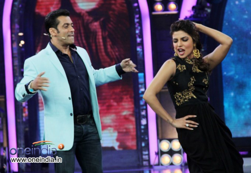 Promotion of film Krrish 3 on the sets of Bigg Boss 7 Photos
