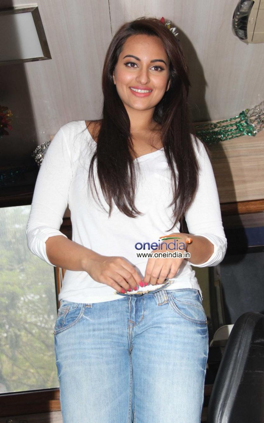 Sonakshi Sinha launch Smile on Wheels Photos