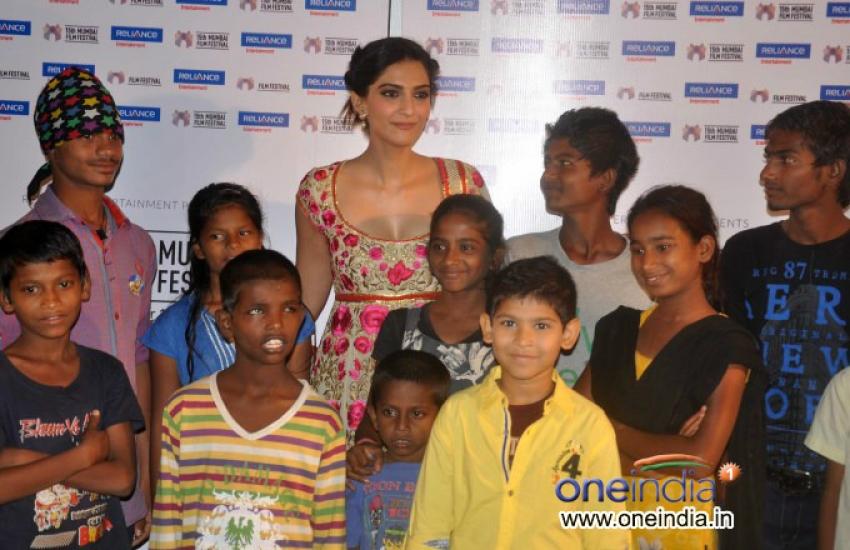 Sonam Kapoor attends Khalid Mohammad's documentary screening at MAMI Photos