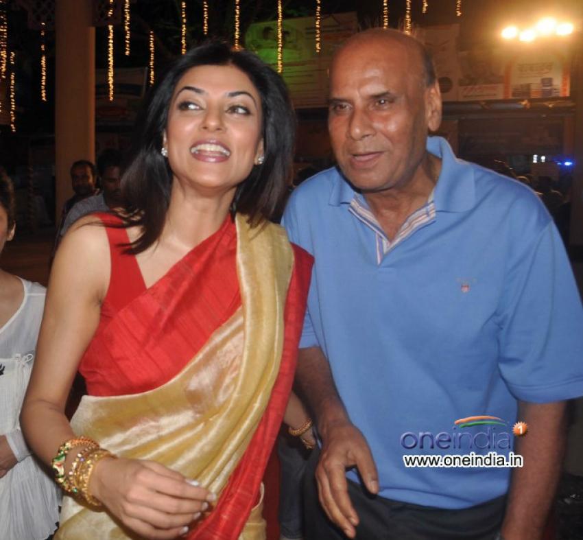 Sushmita Sen at Durga Pooja celebration 2013 Photos