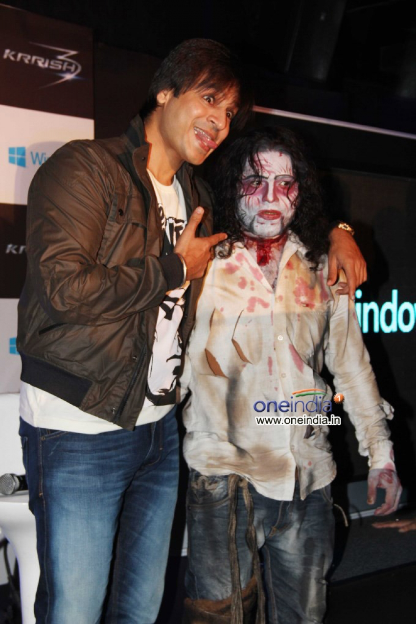 Krrish 3 promotion with Microsoft Game Launch Photos