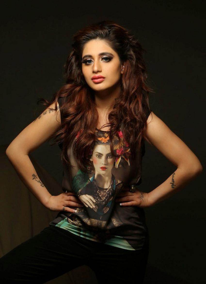 Alisa Khan Photos