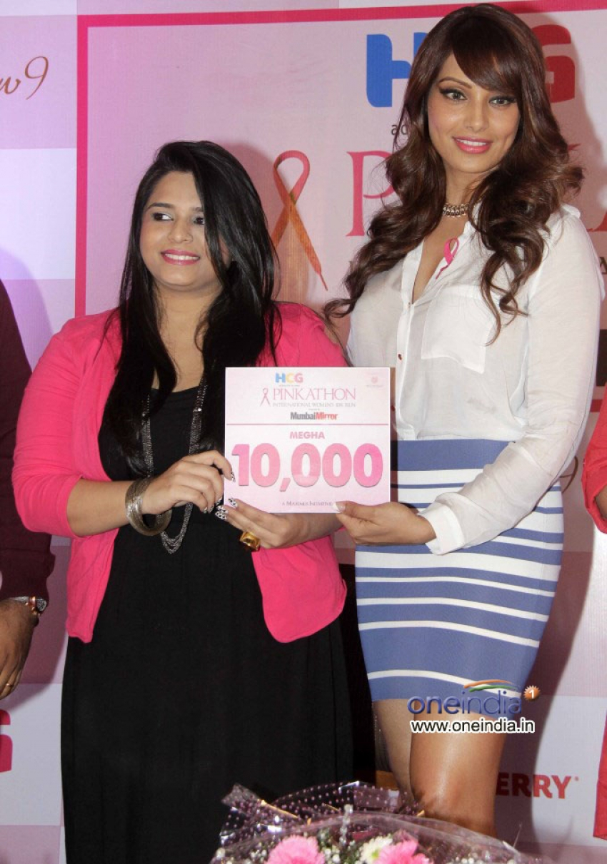 Bipasha Basu and Milind Soman support Pinkathon's second edition Photos
