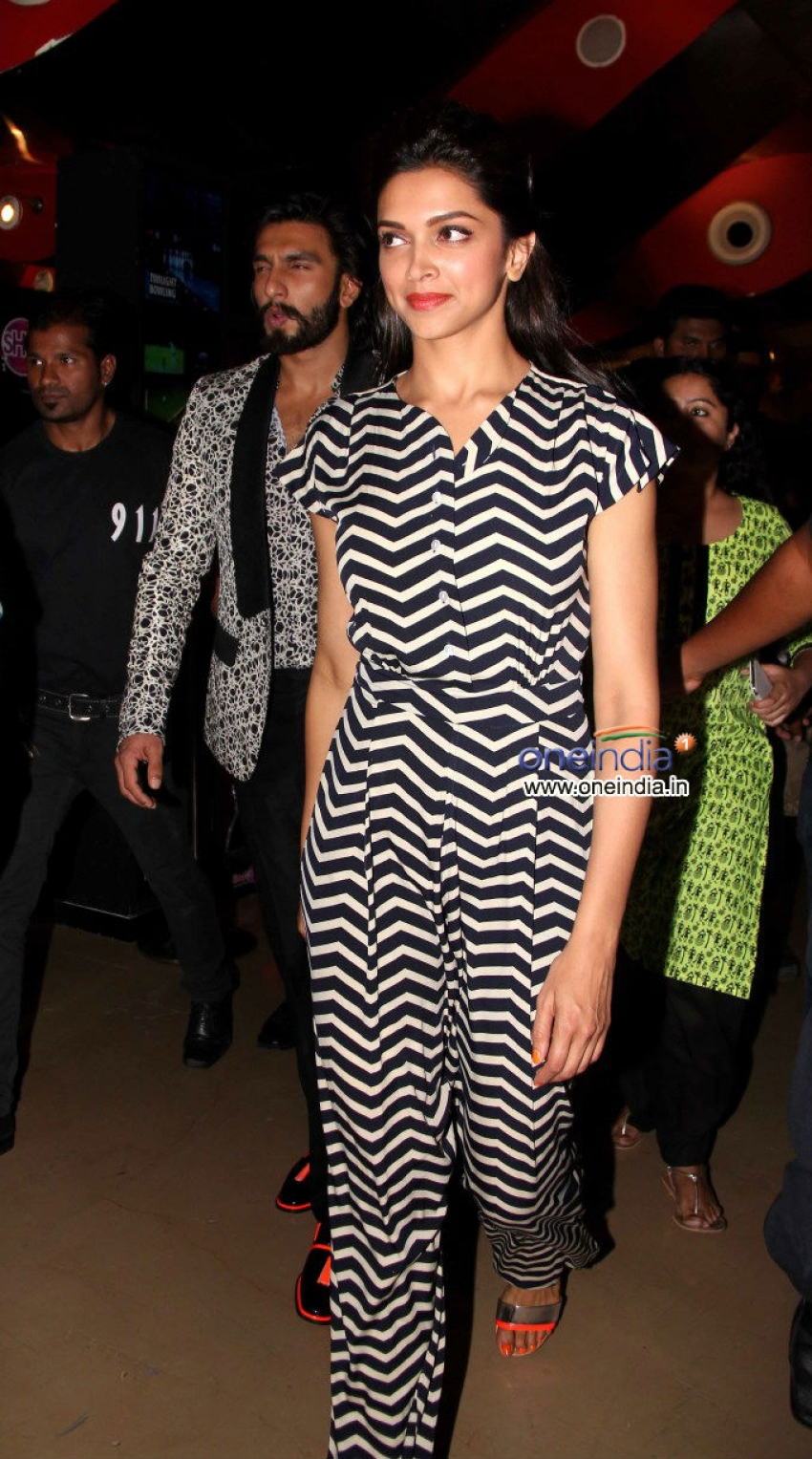 Deepika Padukone and Ranveer Singh visits Chandan Cinema Mumbai Photos