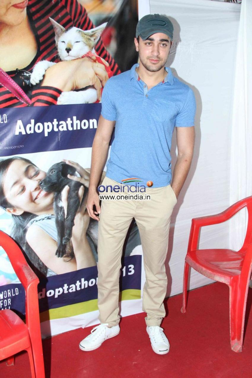 Kalki Koechlin and Priyanka Bose at Pet Adoption 2013 Photos