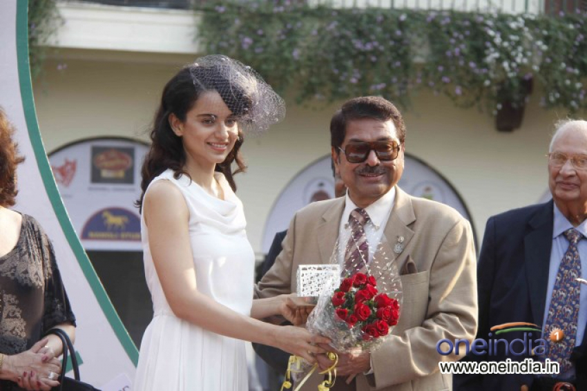 Kangna Ranaut at Metro Motors Auto Hangar H M Mehta Trophy 2013 Photos
