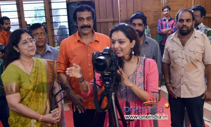 Manju Warrier Inaugurates Life Through Lens Exhibition Photos