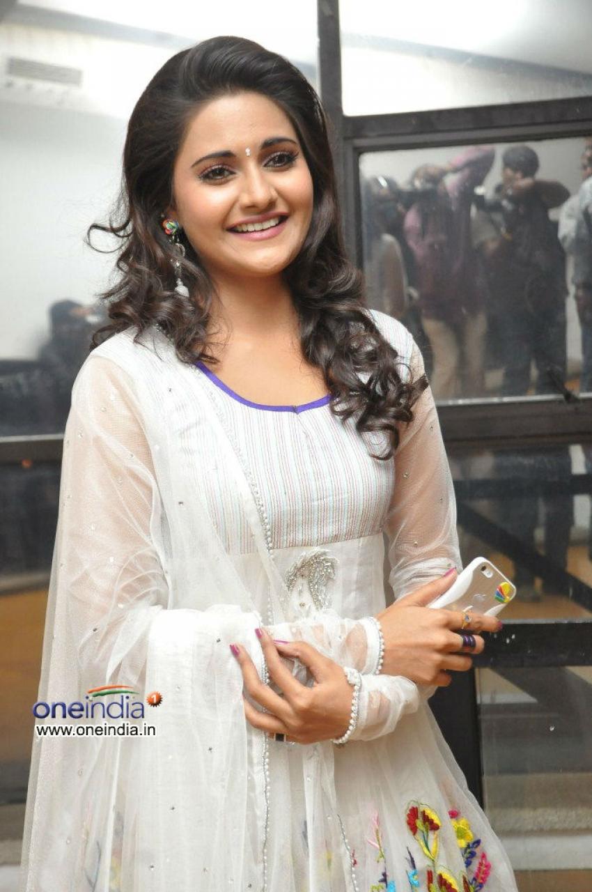 Manochitra Photos