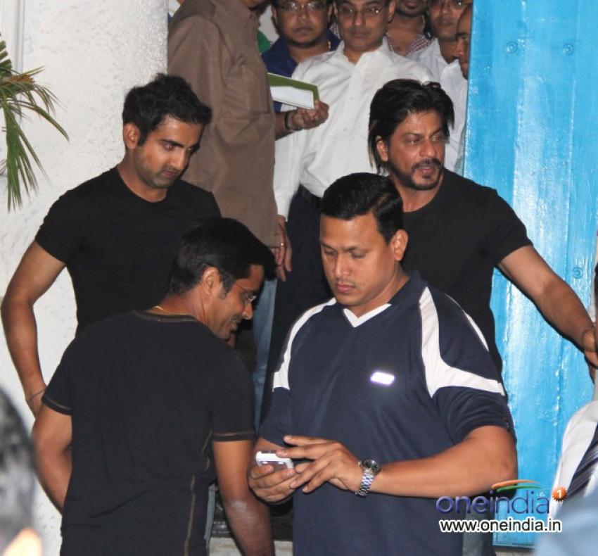 Shahrukh Khan snapped at Olive Bar Mumbai Photos