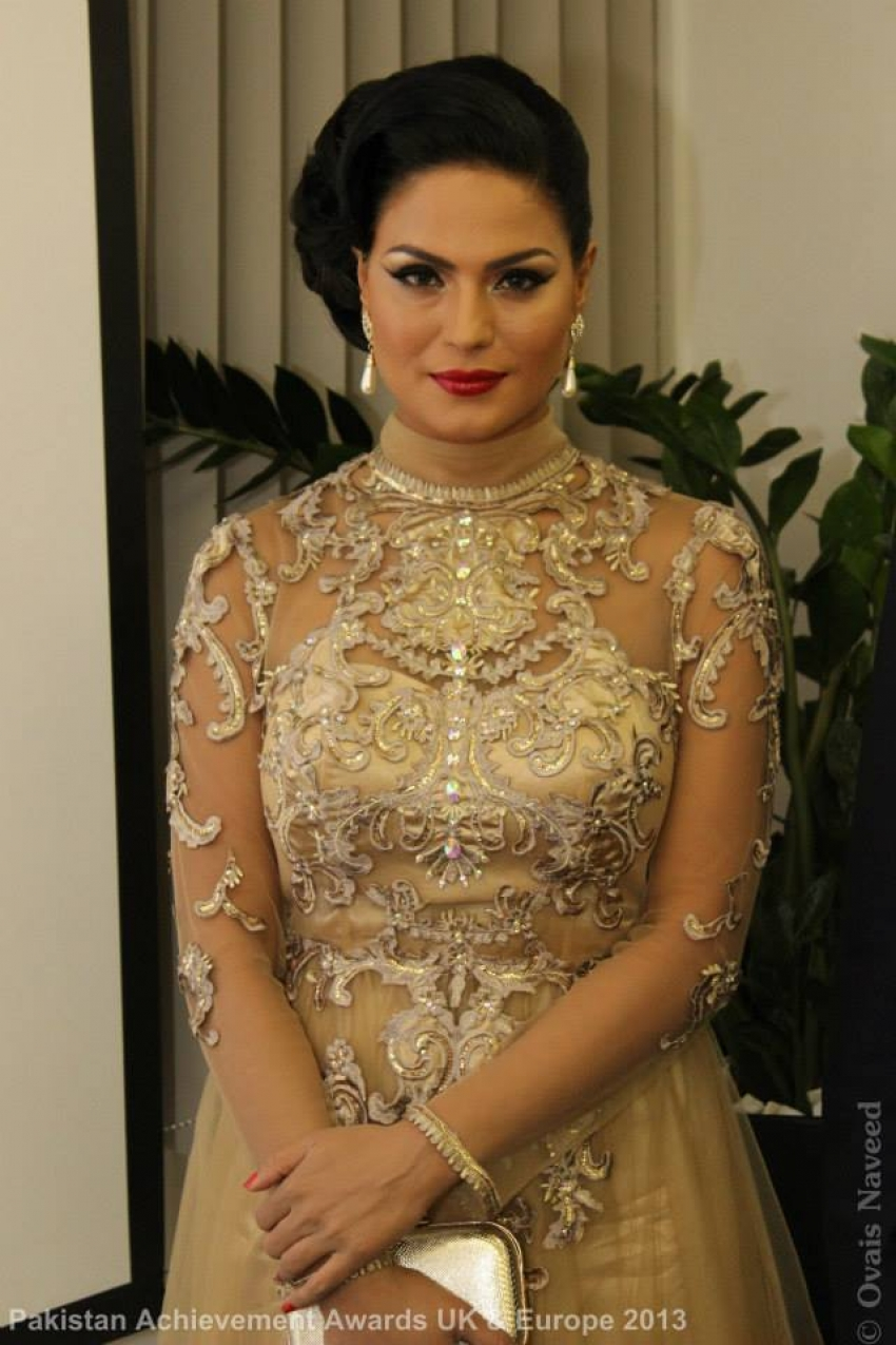 Veena Malik at Pakistan Achievement awards UK and Europe 2013 Photos