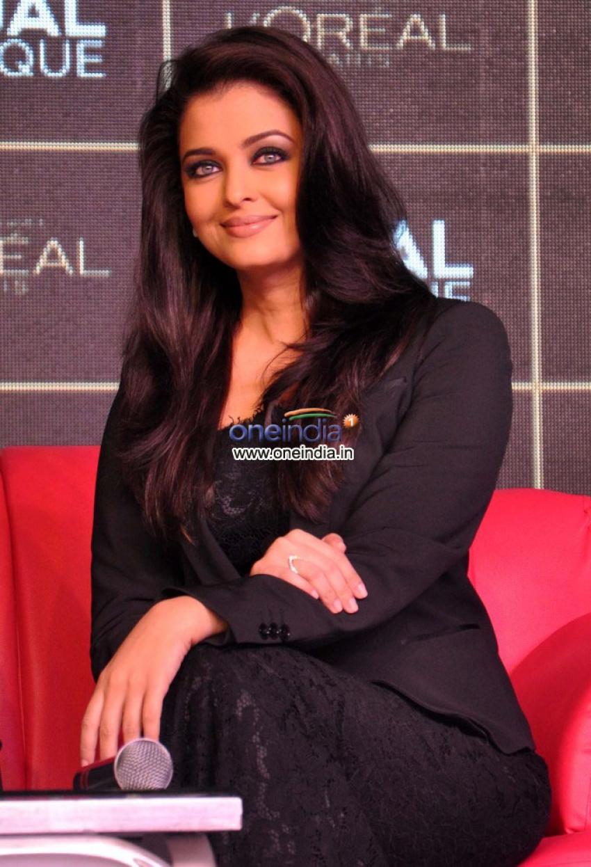 Aishwarya Rai launches Kajal Magique Photos