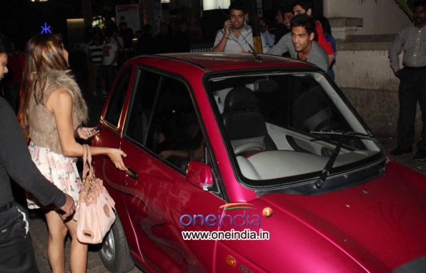 Sidhartha Mallya and Anusha Dandekar snapped in Bandra Photos