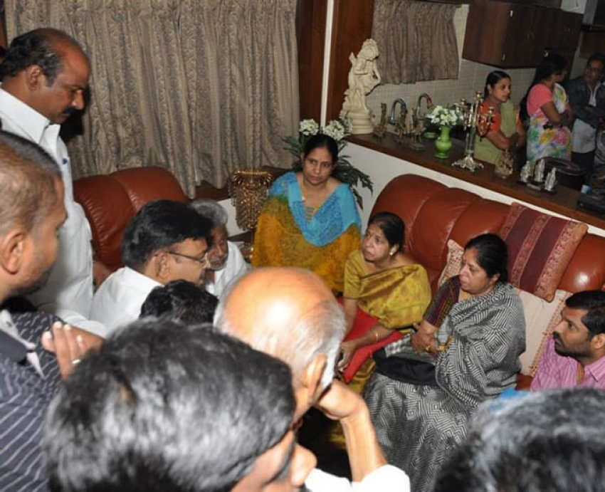 Celebs Pay Respects to Dharmavarapu Subramanyam Photos