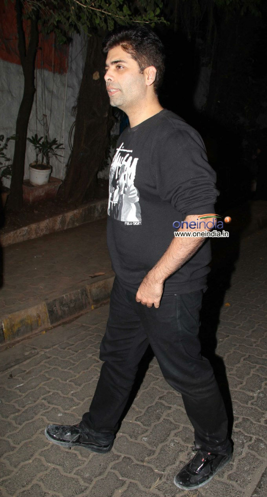 Shahid Kapoor and Karan Johar snapped at Olive Photos