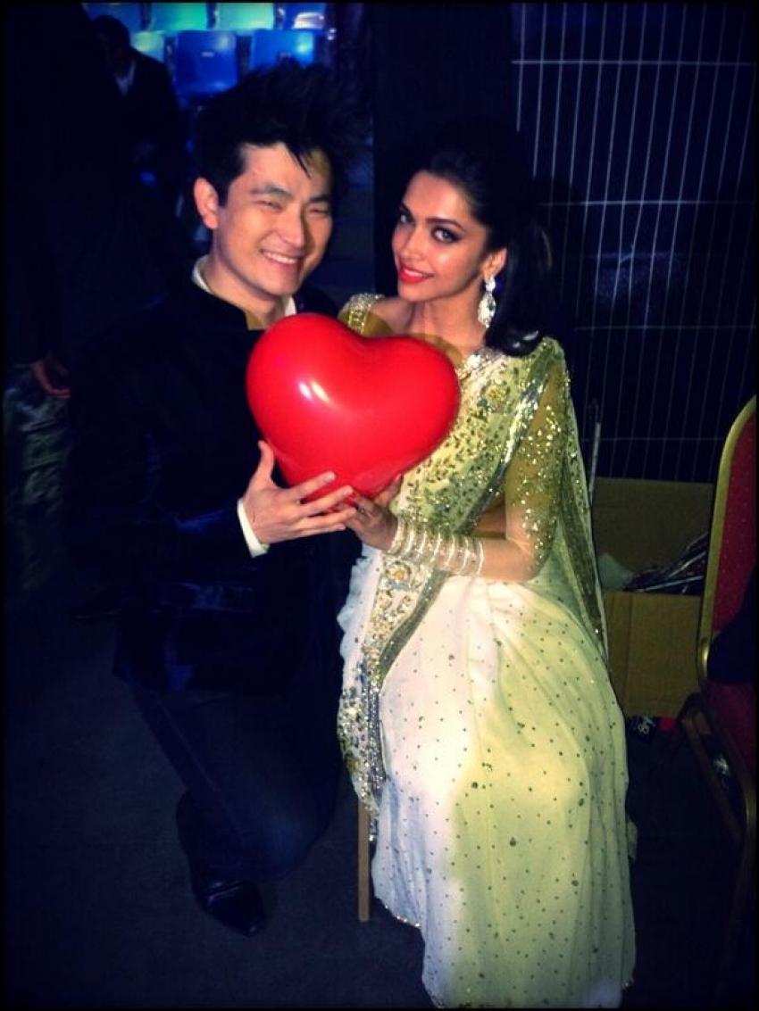 Shahrukh Khan, Madhuri and Deepika at Access All Areas concert Photos