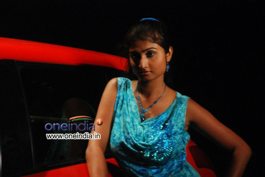Ide Charutho Dating Photos