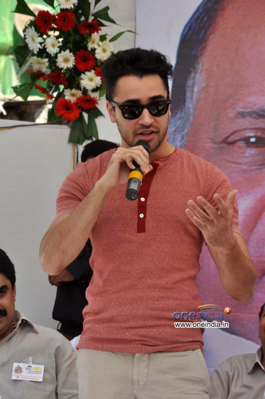 Imran Khan at Bhamla Foundation for Health Awareness Drive Photos
