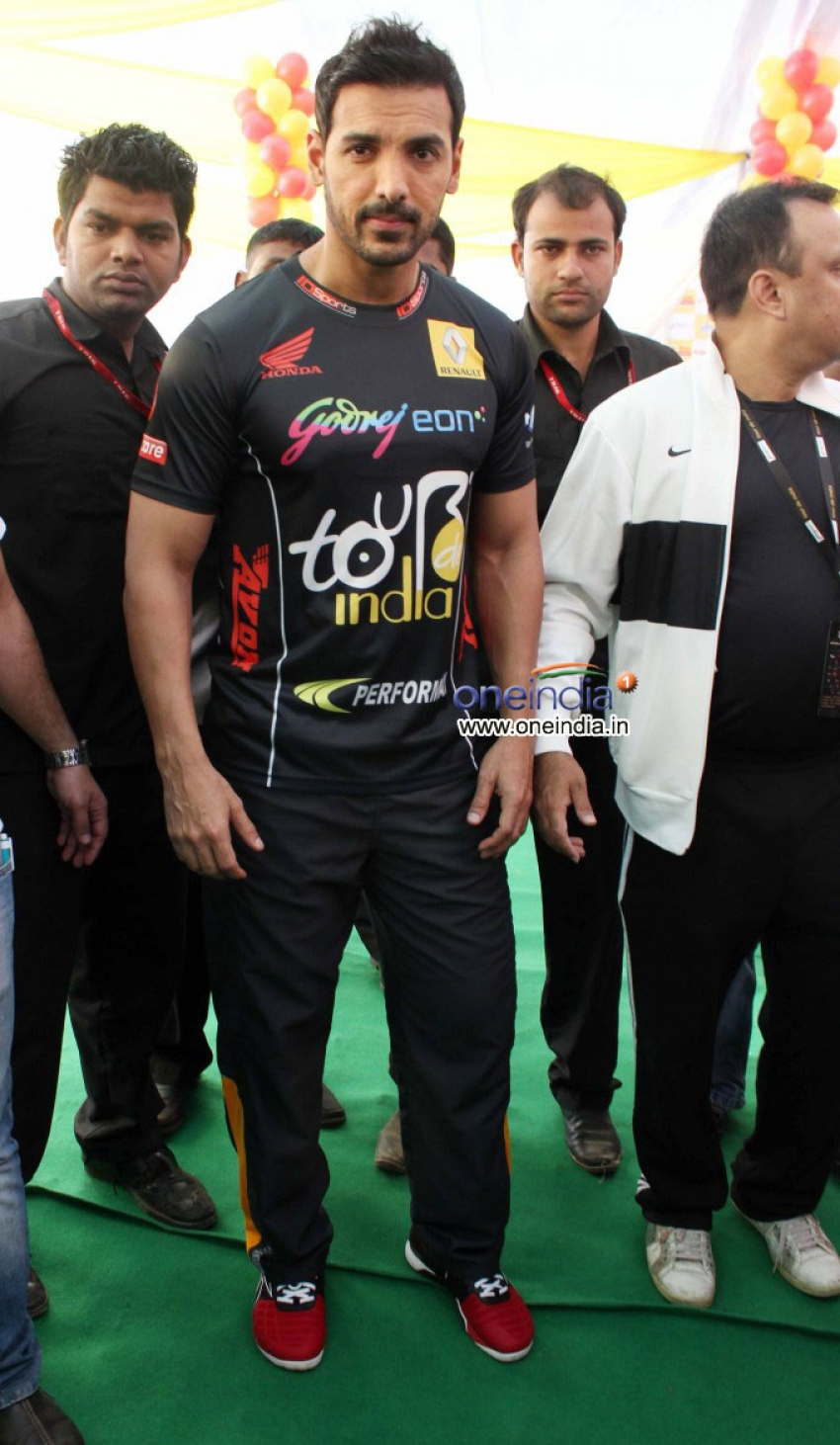 Godrej Eon Tour de India 2013 Photos