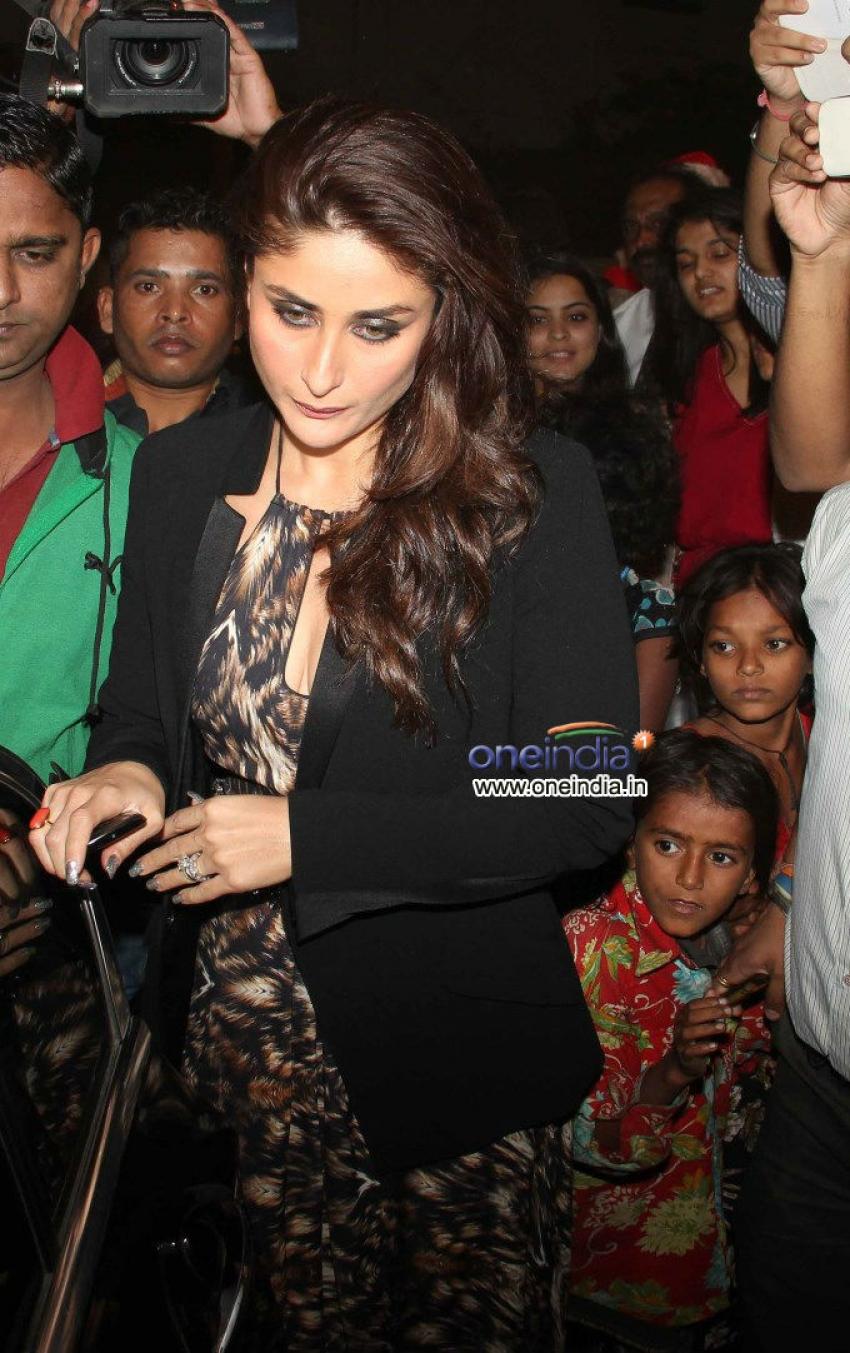 Kareena Kapoor, Malaika Arora and Karisma Kapoor snapped at Christmas Celebrations Photos
