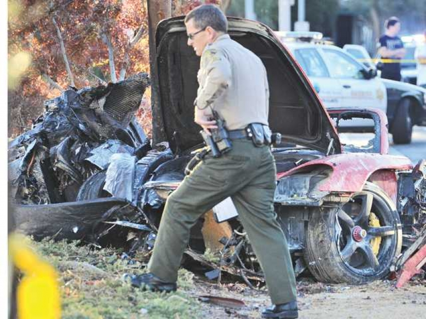 'Fast and Furious' actor Paul Walker dies in car crash Photos