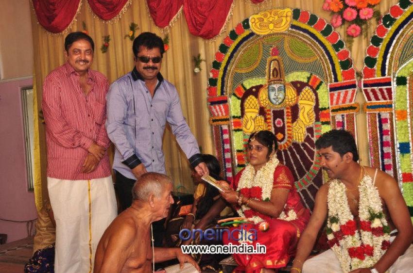 PRO-VP Mani 2nd Daughter Gayathiri wedding Reception Photos