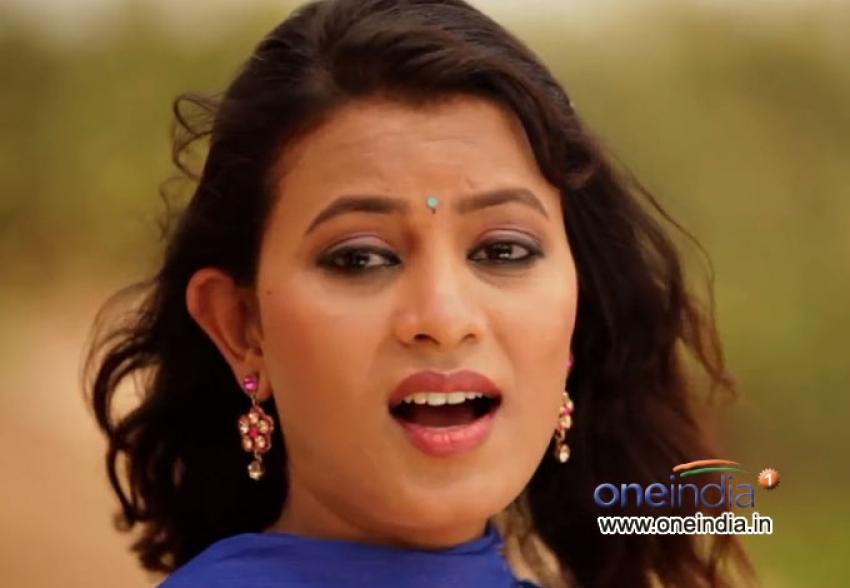 Roopa (New Kannada Actress) Photos
