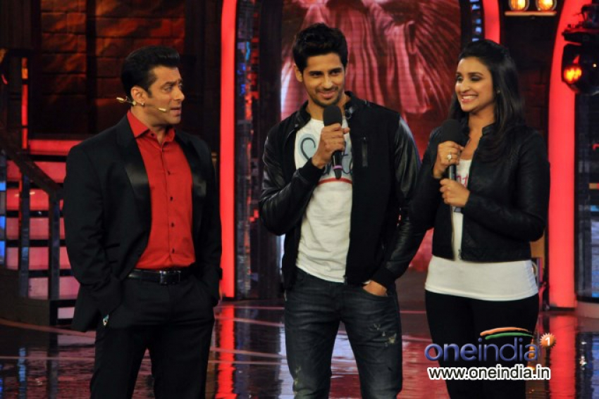 Hasee Toh Phasee film promotion on the sets of Bigg Boss 7 Photos