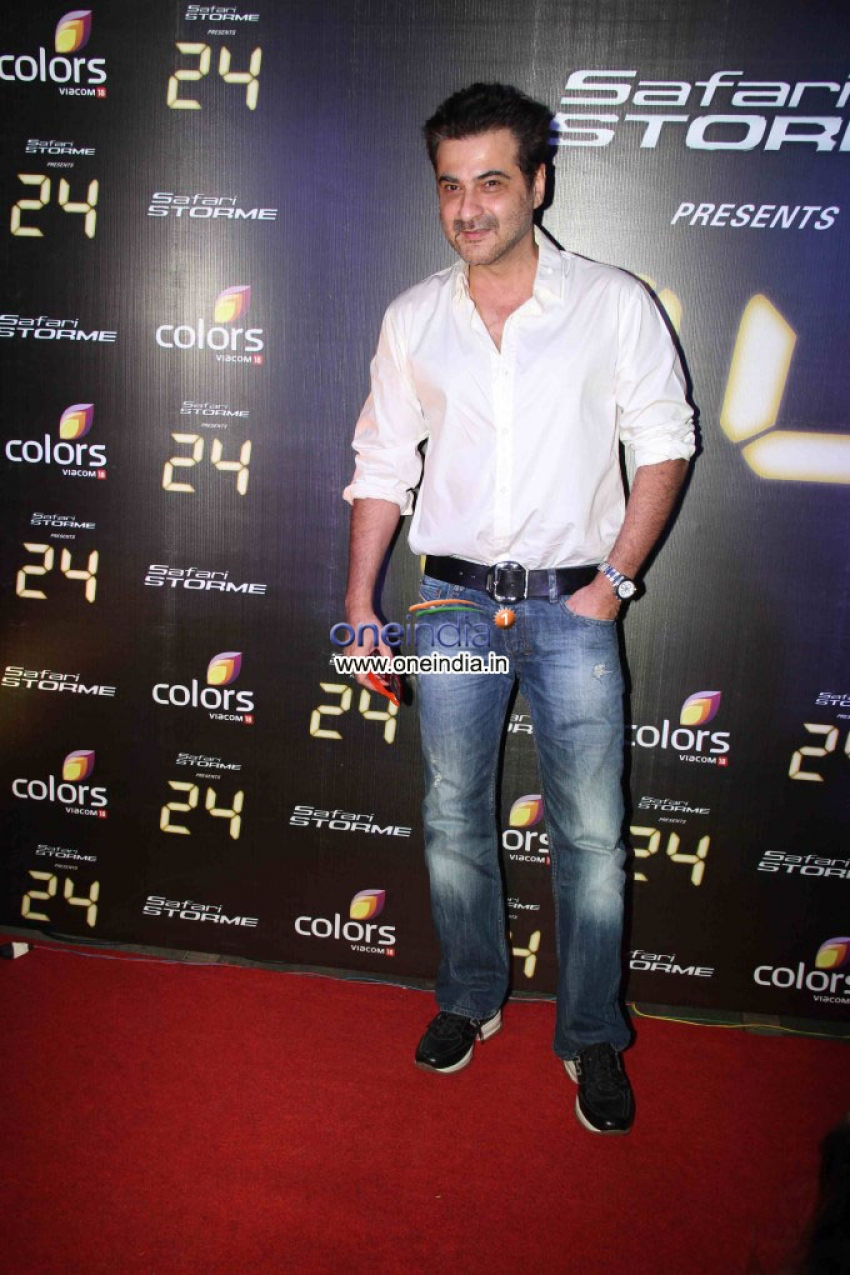 Success party of TV show 24 Photos