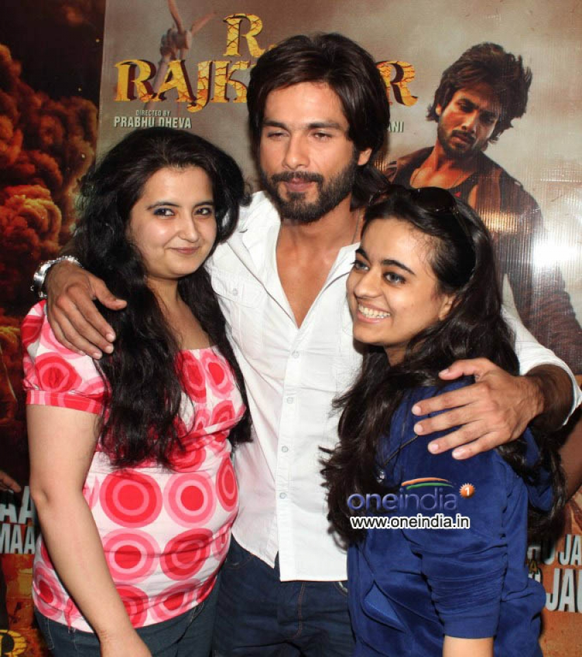 Special screening of R... Rajkumar for Shahid Kapoor's fans Photos