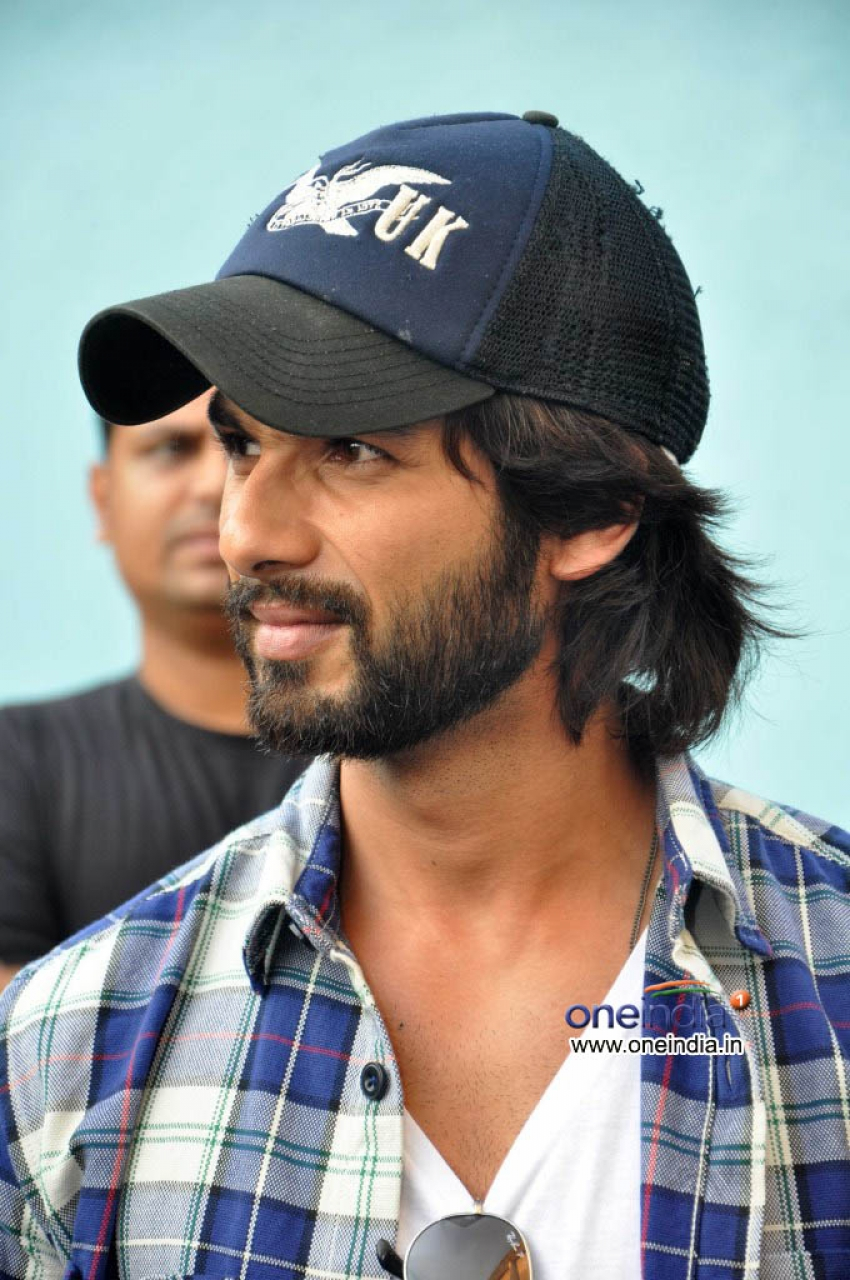 Shahid Kapoor and Prabhudeva visits Chandan Theatre Photos