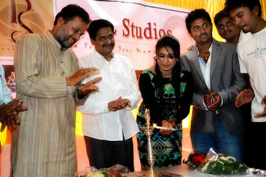 Shwetha Srivatsav at grand opening of PicsL Studio Photos
