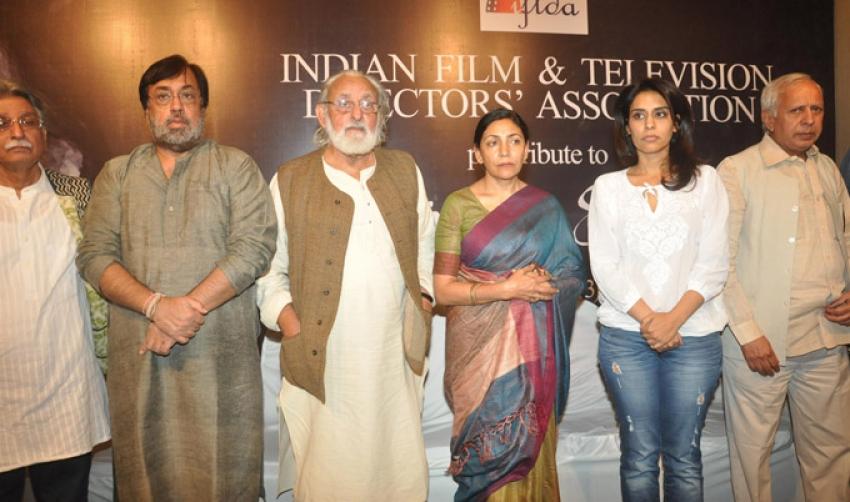 Celebs Pays Tribute To Farooq Sheikh Photos